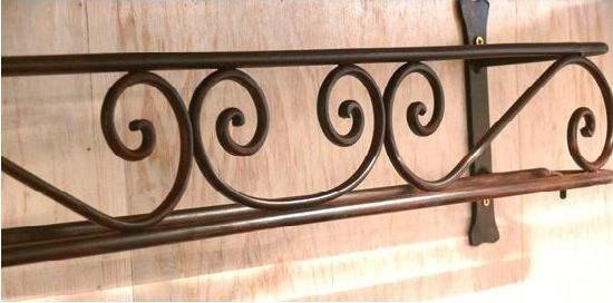 Cantonnière pour rideaux en fer forgé