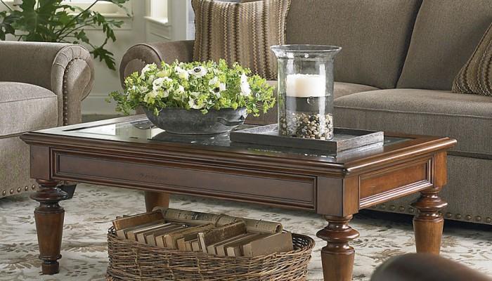 table basse classique salon. Black Bedroom Furniture Sets. Home Design Ideas
