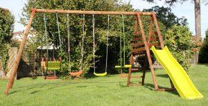 Portique en bois : charme et amusement dans son jardin